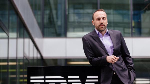 Branislav �ebo, ��f IBM �esk� republika. Firma z�skala titul TOP Odpov�dn� velk� firma 2014