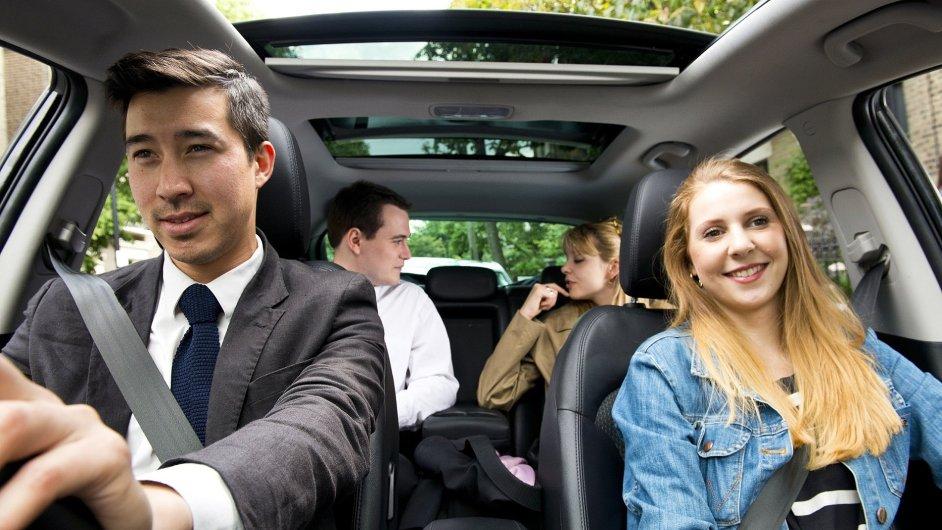 BlaBlaCar provozuje on-line tržiště, na kterém si zájemci mohou domluvit spolujízdu.