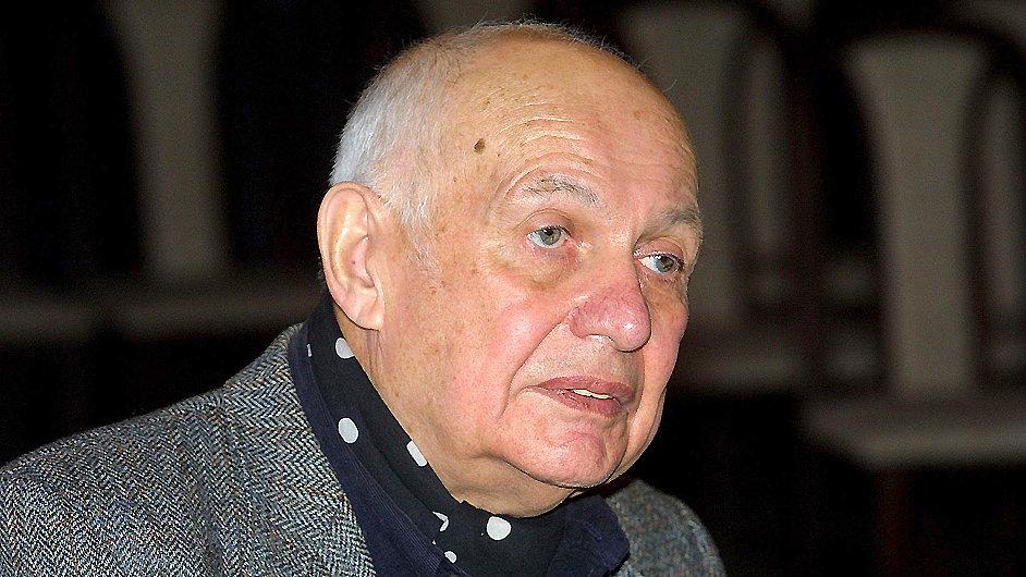 Pokorný do češtiny přeložil Voltaira, Huga, Rilkeho či Goetheho.