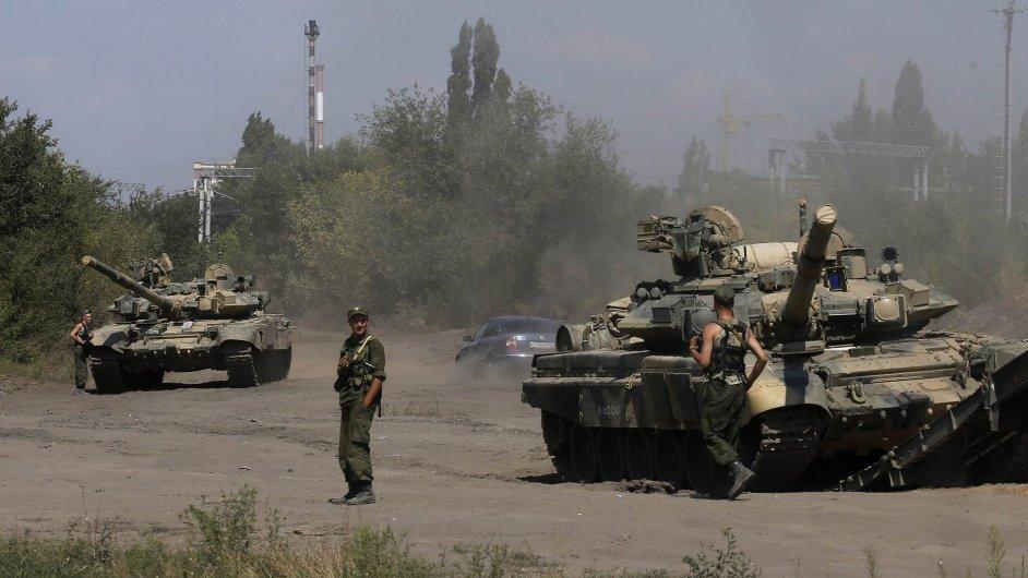 Ruské tanky u Rostova, ilustrační foto