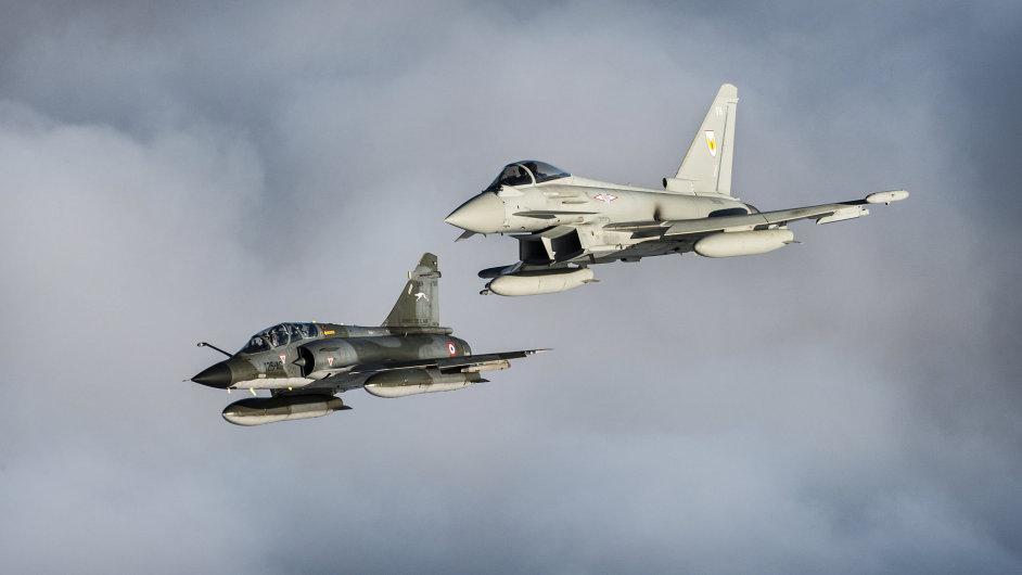 Letecké údery proti radikálům v Sýrii provedla Francie se spojenci v regionu - Ilustrační foto.