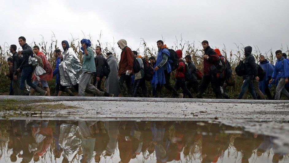 Uprchlíci na hranicích se Srbskem.