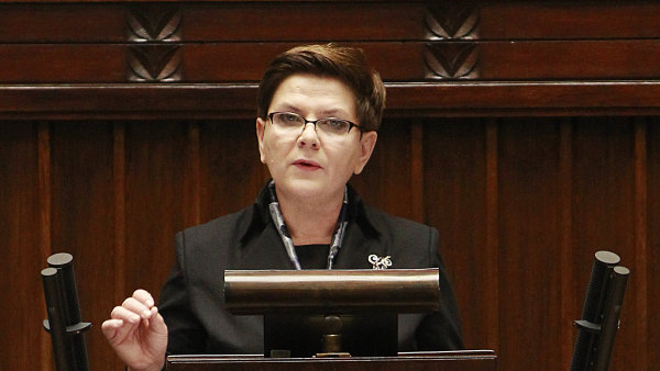 Polská premiérka Szydlová musela před Evropským parlamentem obhajovat  kroky své vlády - Ilustrační foto.