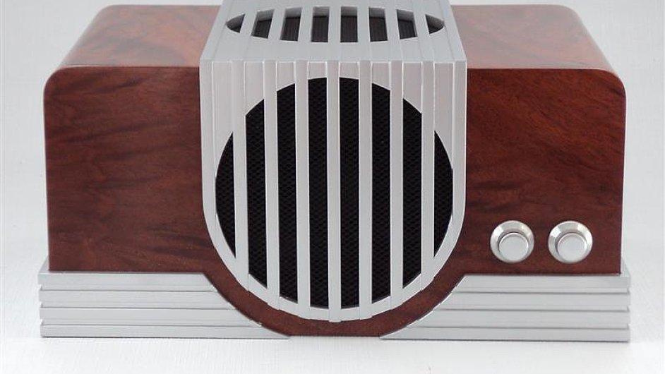 Jeffrey Stephenson vyrábí unikátní počítače s retro vzhledem.