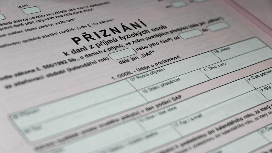 Ministerstvo financí slibuje, že zjednoduší daňové přiznání. Kdy se tak stane, ale stále není jasné.
