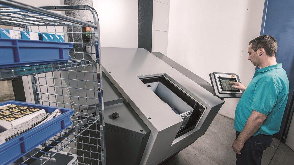 Nová generace skladovacího systému Vertical Buffer Module - jednotka LR 35