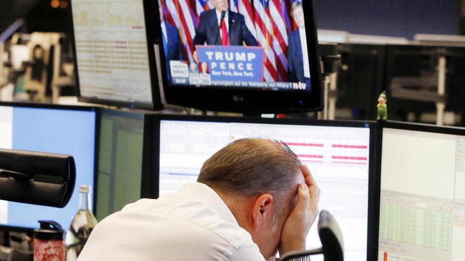 Evropská burza reagovala na zvolení Donalda Trumpa propadem, v americkým akciím se vedlo lépe.