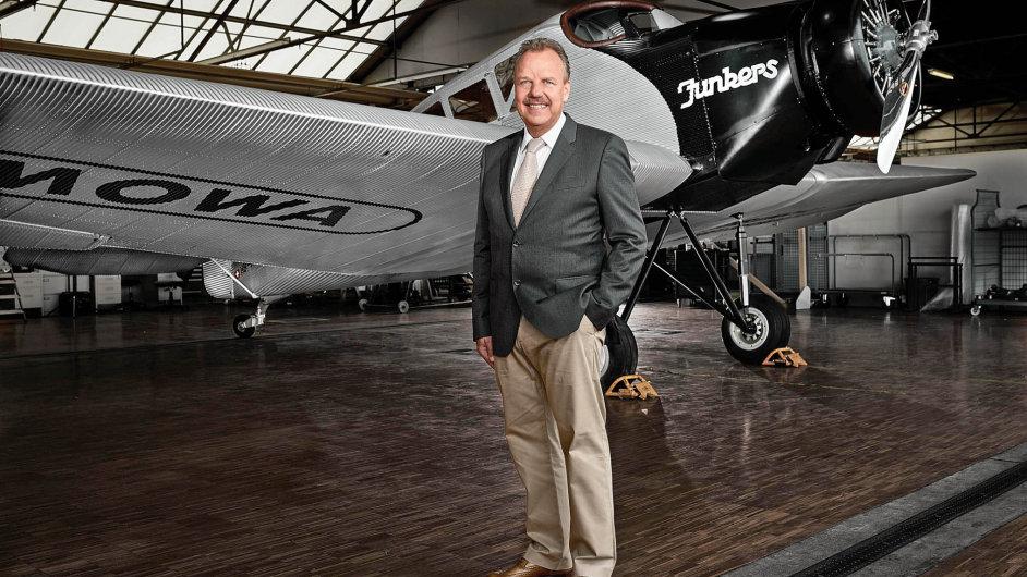 Nadšený amatérský pilot Dieter Morszeck, jinak šéf firmy Rimowa, se vroce 2009 rozhodl vdechnout nový život vůbec prvnímu celokovovému dopravnímu letadlu Junkers F-13.