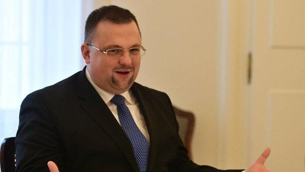 """Hradní protokolář Jindřich Forejt, kterému prezident přezdívá """"Jindříšek"""", předpověděl svůj pád už před čtyřmi lety."""