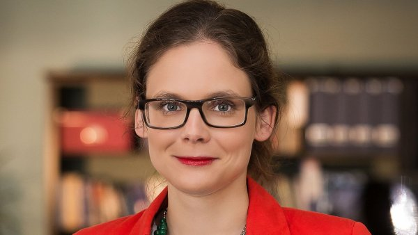 Barbora Dlabáčková, Best Communications