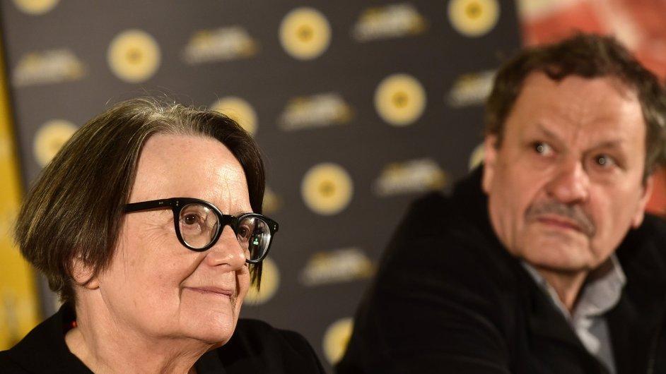 Režisérka Agnieszka Hollandová (na snímku je vedle herce Miroslava Krobota) ve čtvrtek převzala titul doctor honoris causa Akademie múzických umění v Praze.