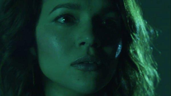 Snímek z nového videoklipu Nory Jonesové.