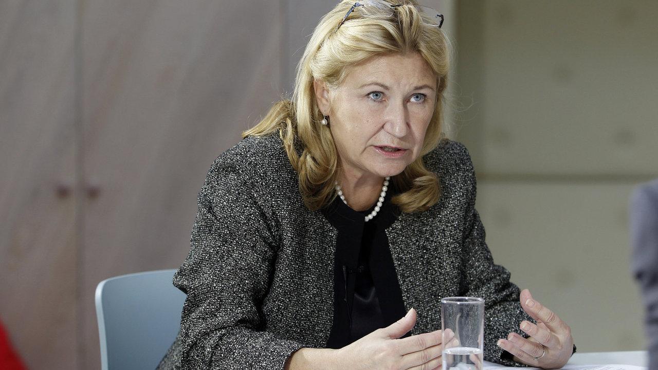 HN kulatý stůl Face to Face - Bankovní regulace - Na snímku Eva Zamrazilová (Česká banovní asociace)