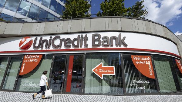 UniCredit Bank měla vydat prohlášení dříve, než se problémem se systémem začala zabývat média, tvrdí expert na PR a marketing Vilém Rubeš – Ilustrační foto.