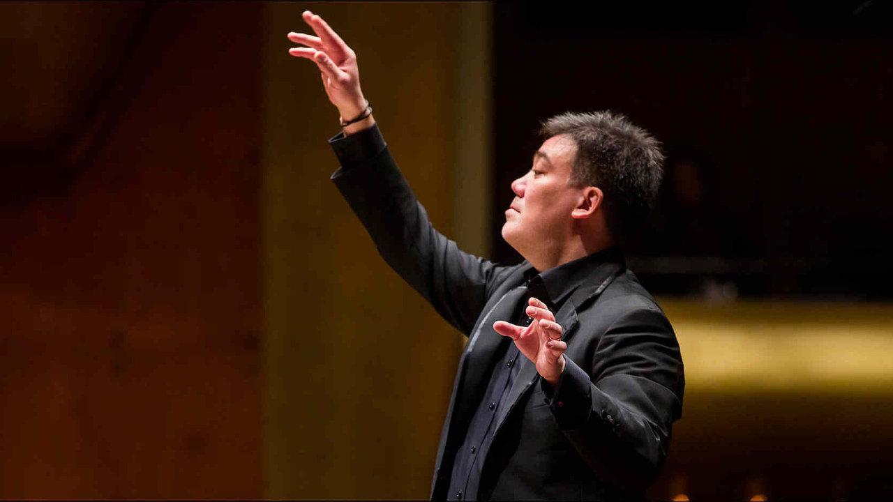 Alan Gilbert své působení u Newyorské filharmonie ukončil letos v létě.
