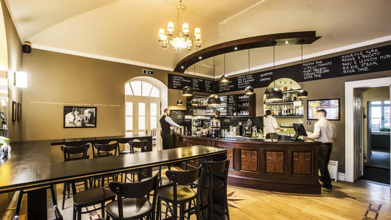 Pachtův palác skrývá kromě hotelu a restaurace také luxusní bistro Café la Creme.