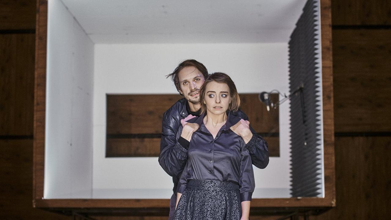 Snímek z nové inscenace Maryšy v Národním divadle.