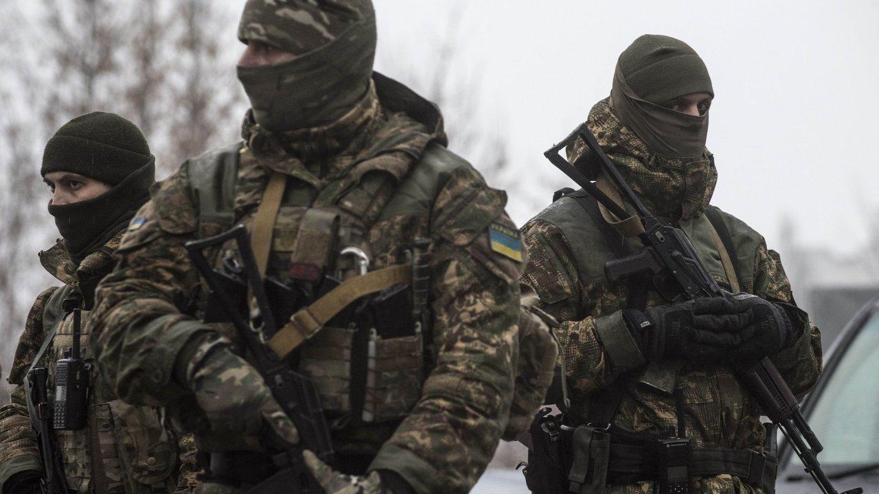 Bojovníci za samozvanou Doněckou lidovou republiku na Ukrajině (ilustrační foto)