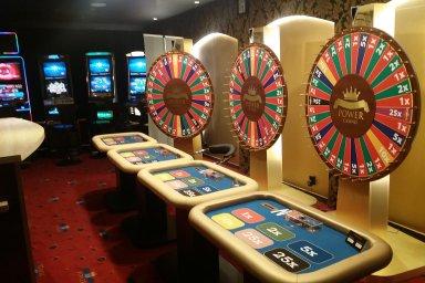Hazard se nevzdává: Stát neumí čelit pololegálním hernám, které se vydávají za kasina. Nečinnost úřadů kritizují i velcí hráči na trhu