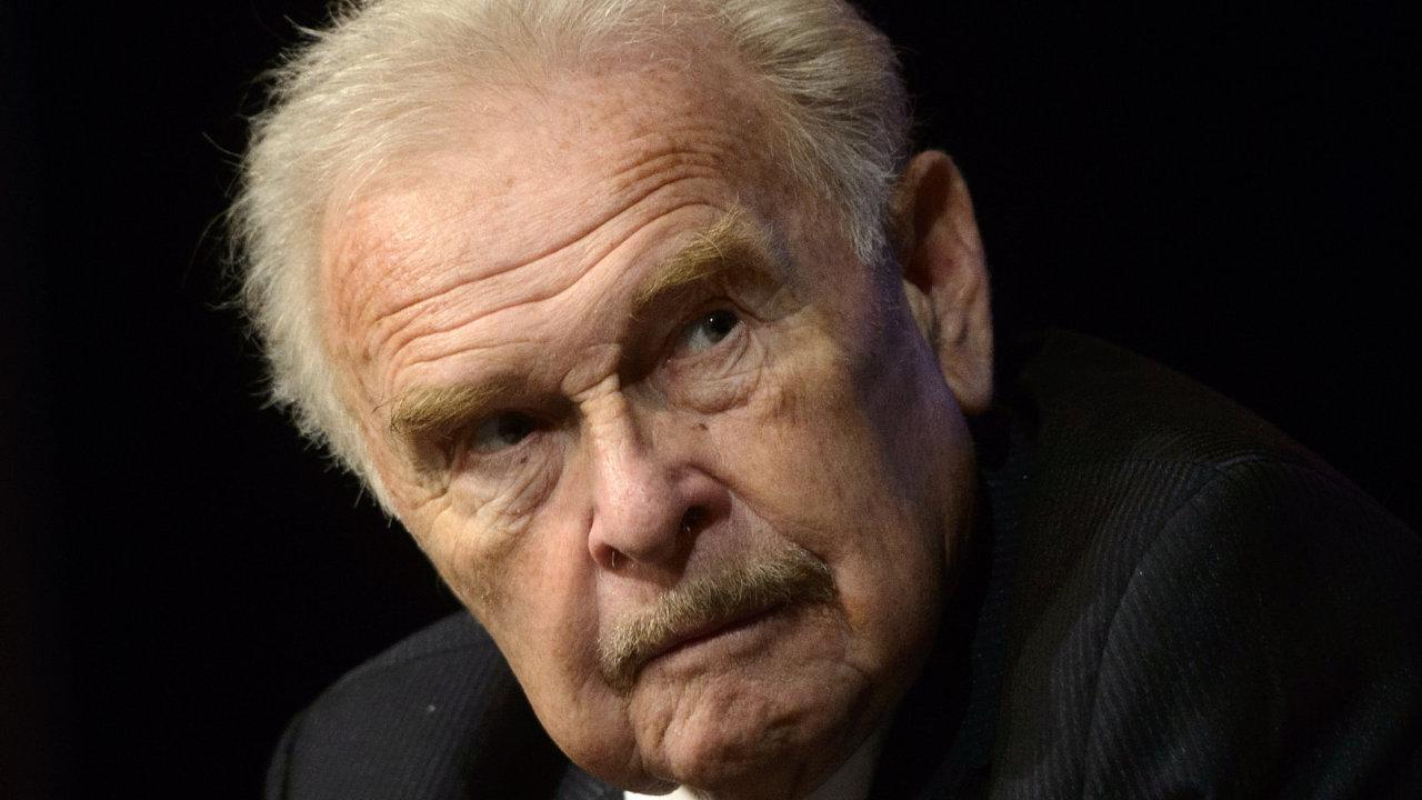 Ve věku 85 let zemřel 26. ledna 2019 herec Luděk Munzar (na snímku z 25. října 2014), dlouholetý člen činohry Národního divadla v Praze.