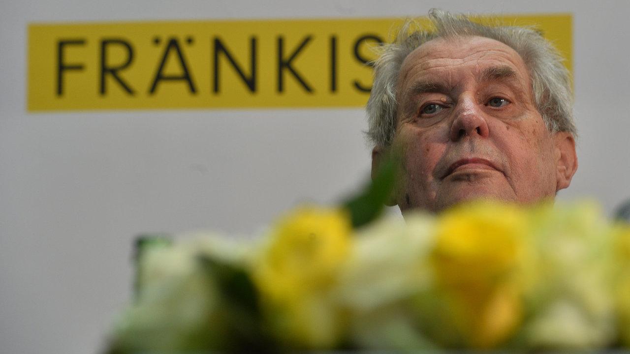 Prezident Miloš Zeman a jeho žena na Vysočině navštívili 26. června 2019 společnost Fraenkische CZ v Okříškách na Třebíčsku.