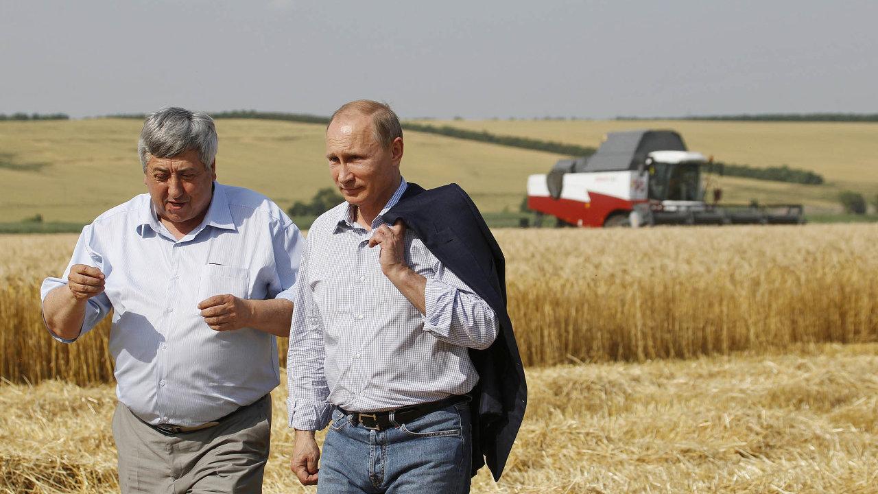 Ruský prezident Vladimir Putin (vpravo)