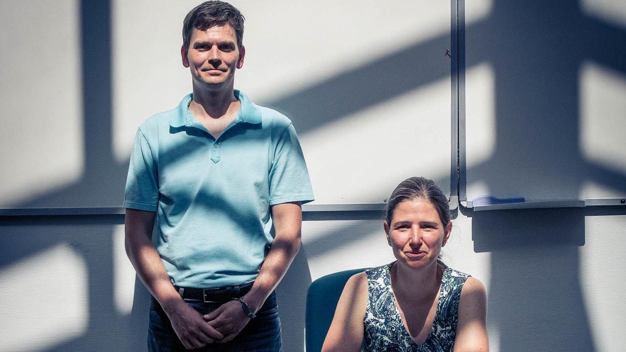 Ekonomové Michal Bauer a Julie Chytilová