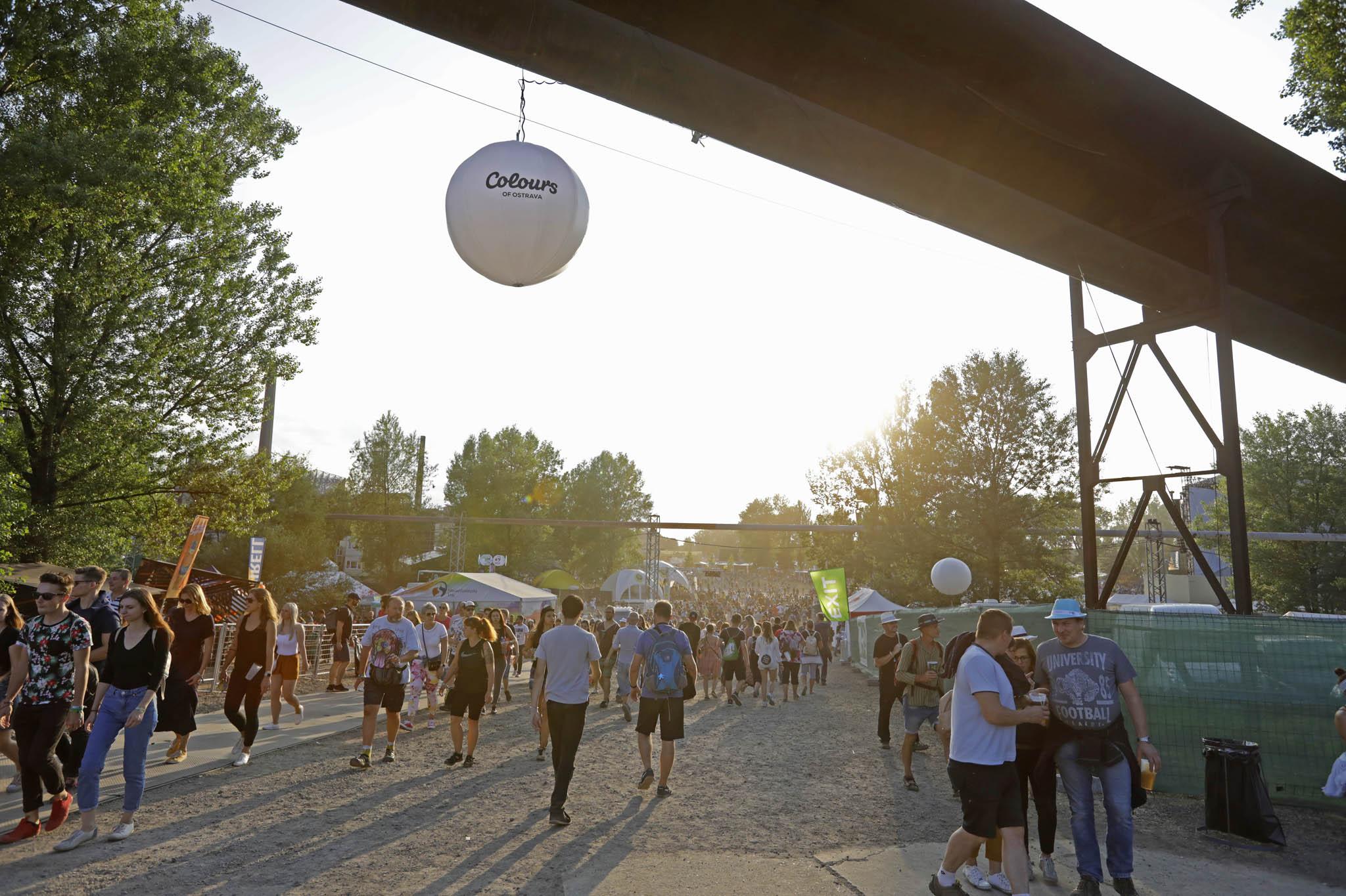 Ohrožená akce: Hudební festival Colours of Ostrava se vmetropoli Moravskoslezského kraje koná každé léto odroku 2002.