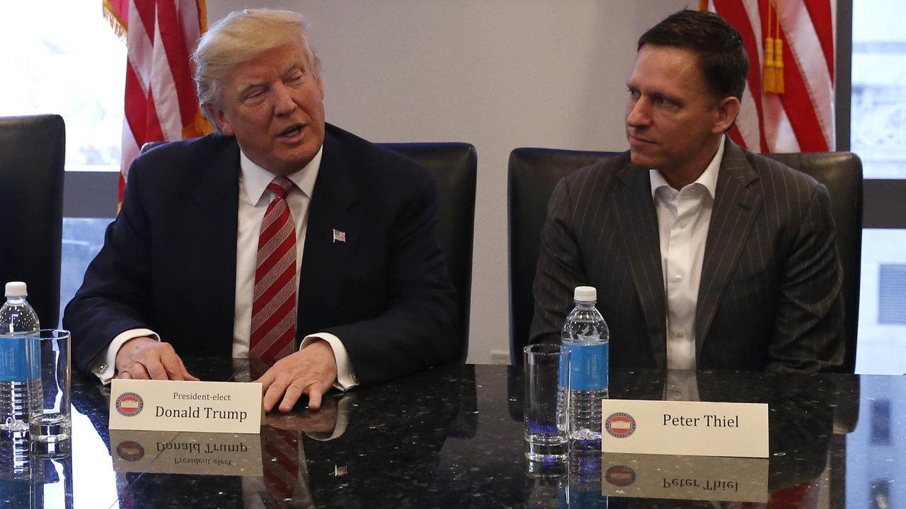 Ještě předpár lety sePeter Thiel snažil sblížit technologickou elitu, tradičně volící demokraty, sprezidentem Donaldem Trumpem. Podporoval ho také vpředvolební kampani vroce 2016. Dnes už ne.