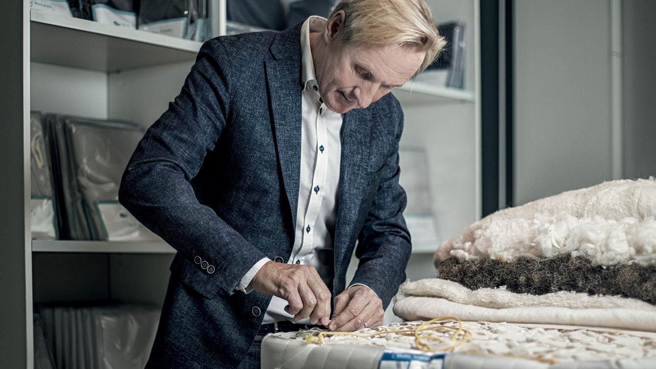 Pro Karla Vágnera bylo mimo jiné důležité i použití přírodních materiálů.