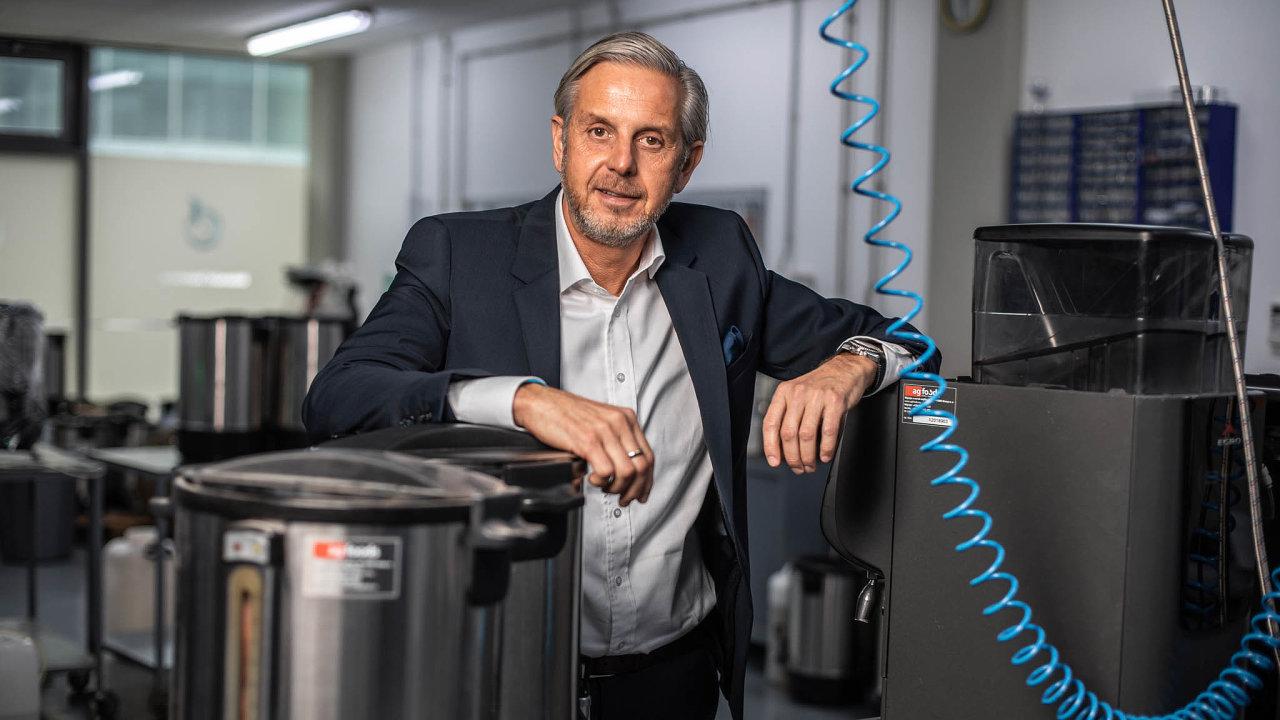 Práškový byznys. Jiří Jízdný začal vyrábět instantní nápoje se svým otcem Jiřím v90. letech.