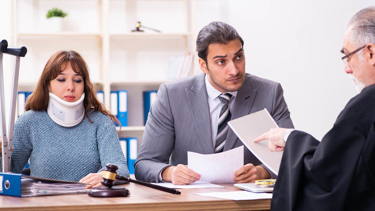Pomoc soudci. Znalecký posudek má pomoci soudu ujasnit si odborné věci různých kauz. Rychlost jejich vypracování ovlivní celkovou dobu procesu.