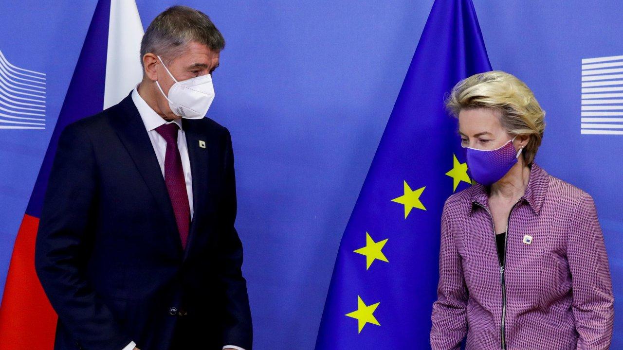 Covid, koronavirus, roušky, Babiš, EU,  Ursula von der Leyenová