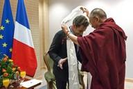 Sarkozy a dalajlama