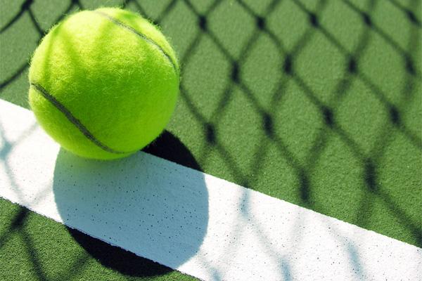 http://img.ihned.cz/attachment.php/210/19437210/aisu3C7GIKMNOklQWceghxyz01SU9ARV/tenis_v.jpg