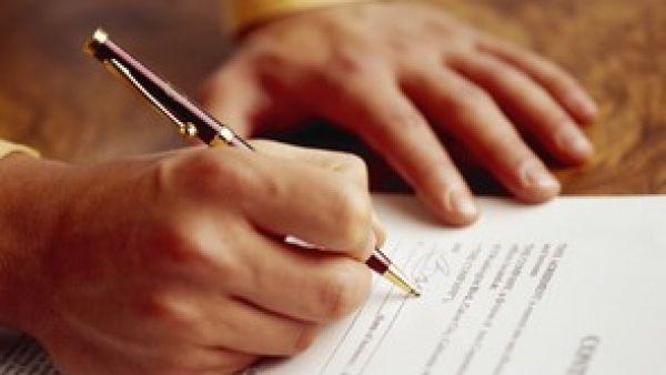 Ilustra�n� foto - podpis smlouvy