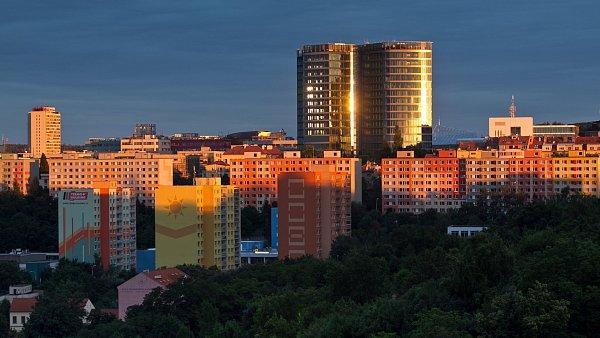S architekturou má Praze radit moudrý šašek