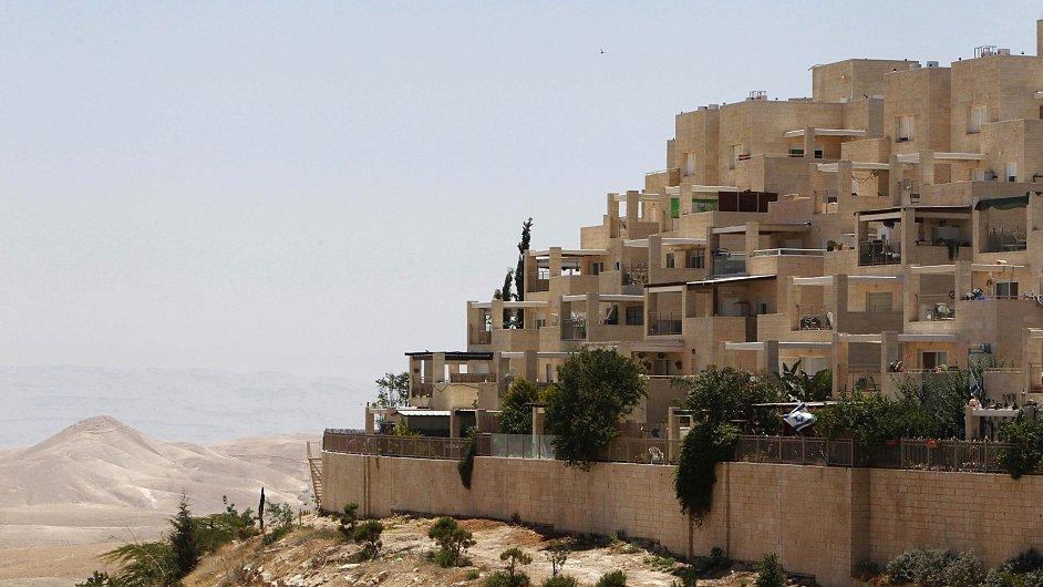 Židoská osada Maale Adumim na západním břehu Jordánu