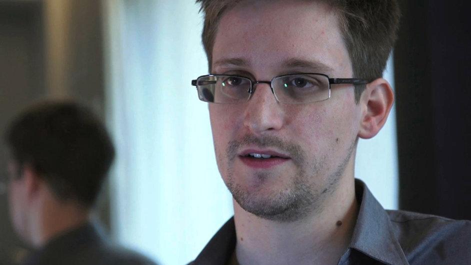 Pokud Edward Snowden přestane škodit USA, může zůstat v Rusku
