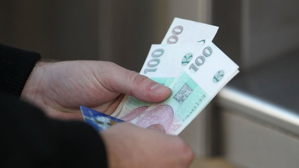 O n�r�stu minim�ln� mzdy o 7,6 procenta na 9 900 korun rozhodla vl�da - Ilustra�n� foto