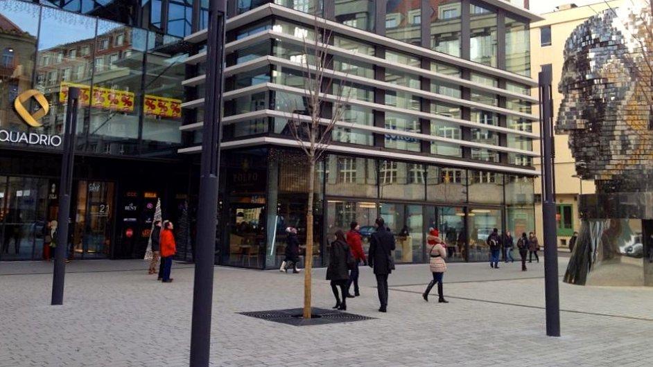 Nové veřejné prostranství u budovy Quadrio nad stanicí Národní třída v Praze. Vlastník CPI Group.
