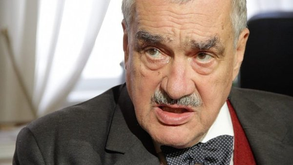 Ke kritice koncepce české zahraniční politiky se přidal i Karel Schwarzenberg.