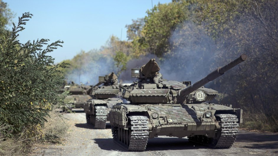 Proruští rebelové stáhli tanky z frontové linie během víkendu.