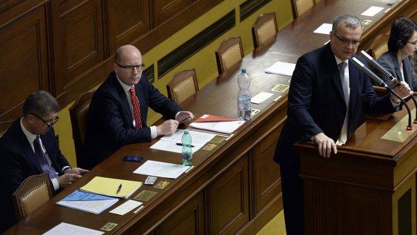 Zleva ministr Andrej Babiš