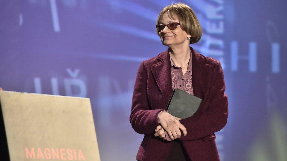 Spisovatelka Daniela Hodrová získala cenu Kniha roku za román Točité věty.