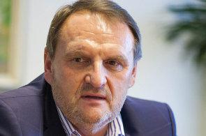 Jiří Kalužík po 26 letech končí v nejužším vedení Gumotexu
