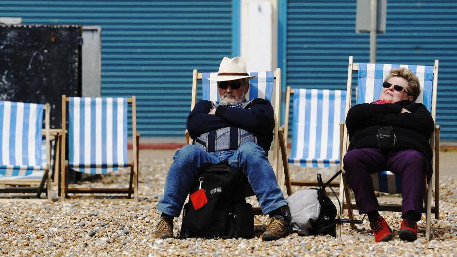 Britští důchodci, kteří žijí ve Španělsku, hledají cestu, jak v zemi zůstat - Ilustrační foto.