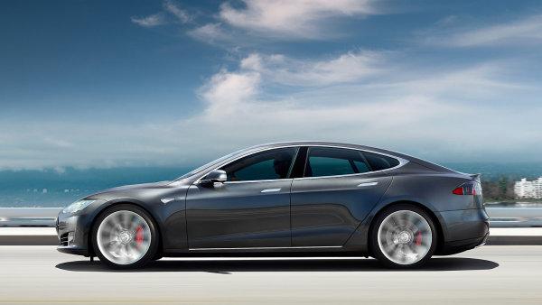 Podle majitele způsobil nehodu Tesly Model S systém Autopilot.