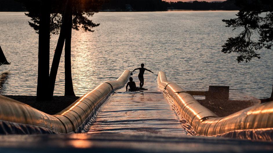 Water slide akce se pravidelně konají například v USA nebo na Novém Zélandu. V Česku bude poprvé.