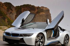 Boom hybrid� do z�suvky: bl�� se doba levn�j��ch aut